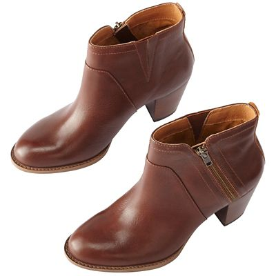 Sofft West Booties
