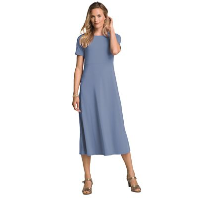 Short-Sleeved Basic Indispensable Travel Dress