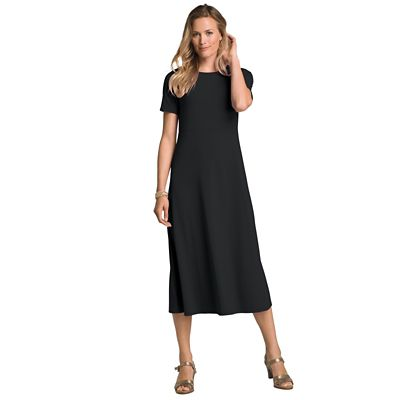 Plus Size Short-Sleeved Basic Indispensable Travel Dress