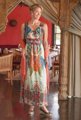 Crossover V-Neck Maxi Dress Outfit