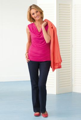 Sleeveless Ruched-Side Drape-Neck Tee Outfit