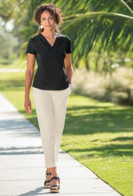 Voyager Knit Soft-Pleat V-Neck Top Outfit