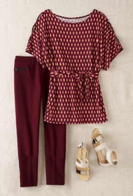 Peekaboo-Shoulder Tunic Outfit