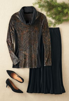 Burnout-Velvet Cowlneck Top Outfit